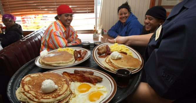 Shares of Denny's skyrocket 25% after announcing plan to sell stores 6