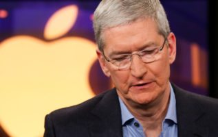 Tech got wrecked, but chart analyst sees opportunity in Apple 3