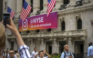 Rising rates rattle Wall Street, but charts signal a stock bounce 2