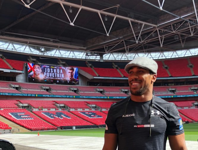 Leeds fashion firm designs bespoke hat for boxing champion
