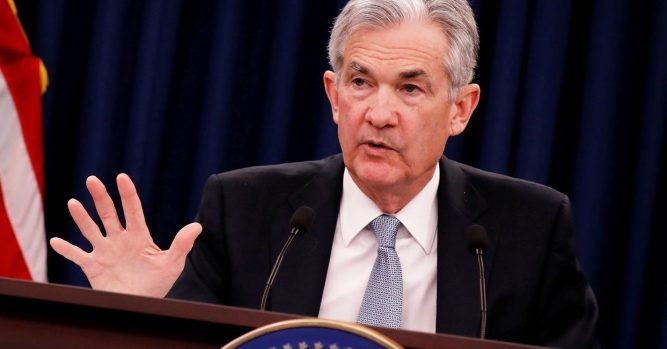 Fed leaves rates unchanged, notes slowing in business investment 4