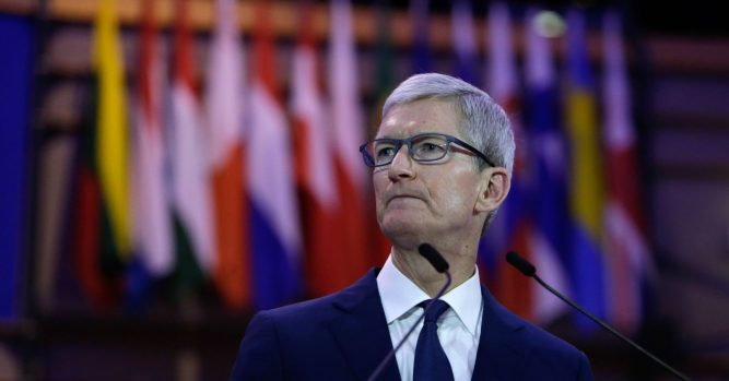 Apple earnings drag tech stocks down after hours 5