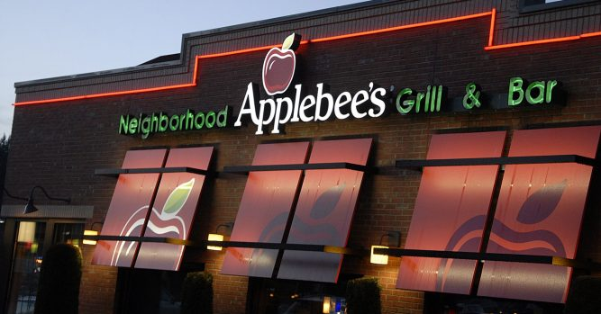 Applebee's is turning its business around, a $1 cocktail at a time 1