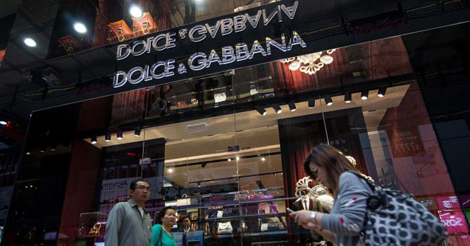 Dolce and Gabbana accused of racism in Chinese 'chopsticks' ads 3