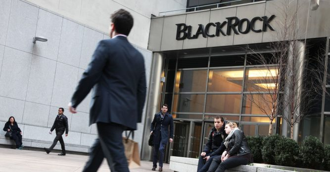 BlackRock says 'several thousand' people got a fake letter pretending to be from CEO 8
