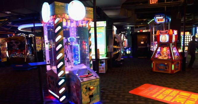 Dave & Buster's shares jump on raised forecast as sales improved 5