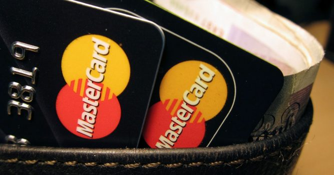 China still reportedly slow in opening market to Visa, Mastercard 9