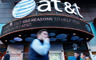 AT&T shares stumble after rivals T-Mobile, Verizon pick up new subscribers 3