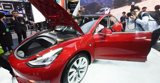 Tesla opens up Model 3 configuration to left-hand drive European countries 4