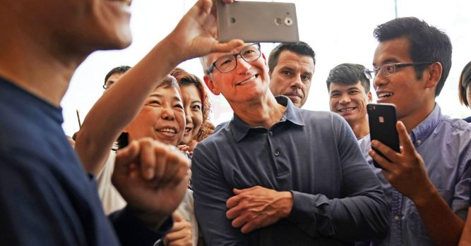 Kudlow should have gone further in concern of China stealing Apple IP 8