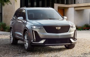 Cadillac debuts three-row crossover XT6 to lure luxury buyers 3