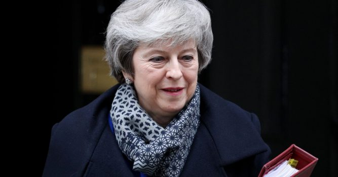Brexit in focus as May survives no-confidence vote 5