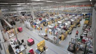 Coronavirus: Amazon workers strike over virus protection 11